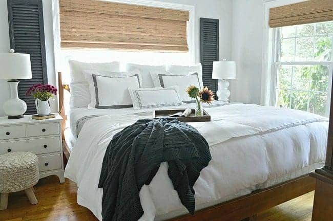 5 tips for creating a comfortable and cozy bedroom for fall.