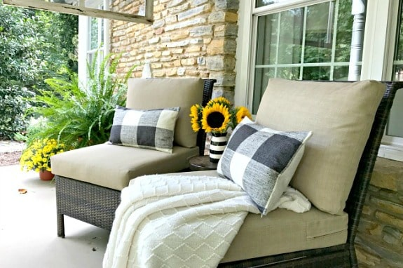 5 Tips for Creating a Welcoming Fall Porch