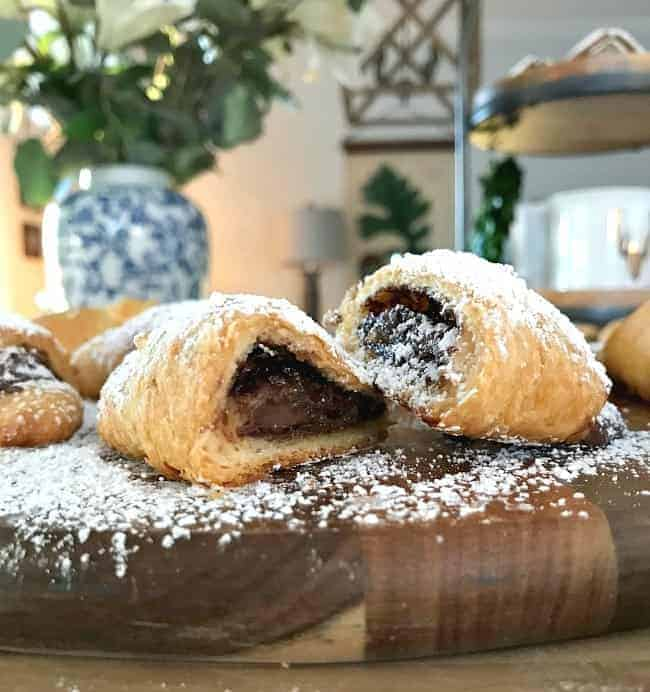 For a quick, easy and totally delicious breakfast treat, make these sweet and salty Nutella crescent rolls with just 4 ingredients.