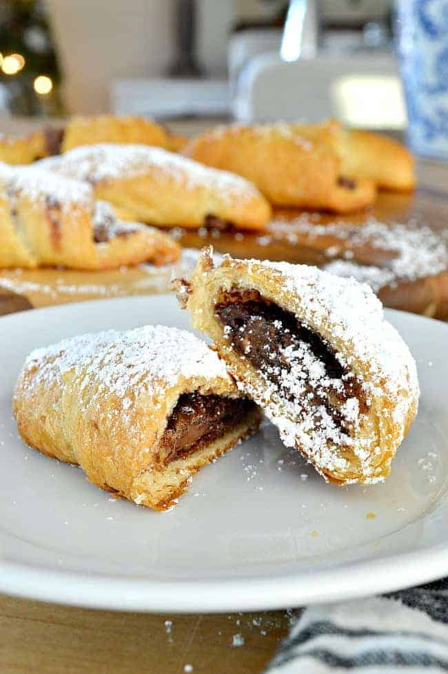 For an easy and totally tasty breakfast treat, make these sweet and salty Nutella crescent rolls with just 4 ingredients.