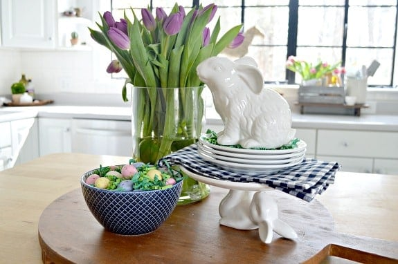 Easy Tips to Create a Pretty Spring Vignette