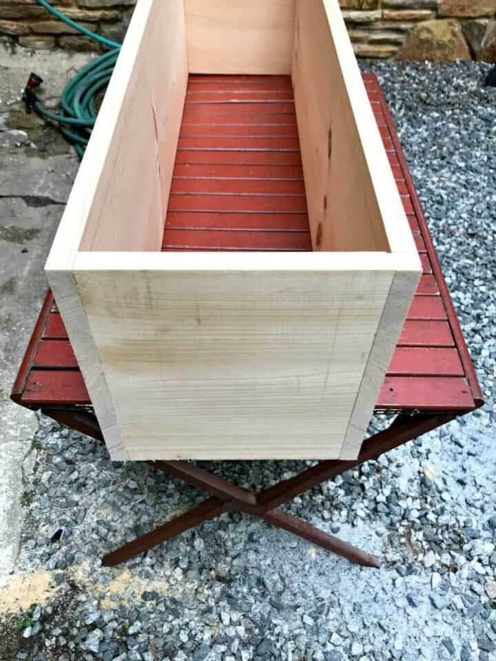 building planter box for DIY wood planter