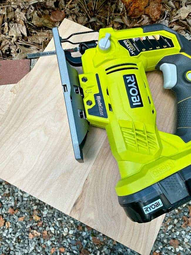 power tools and underlayment used to make basket dividers