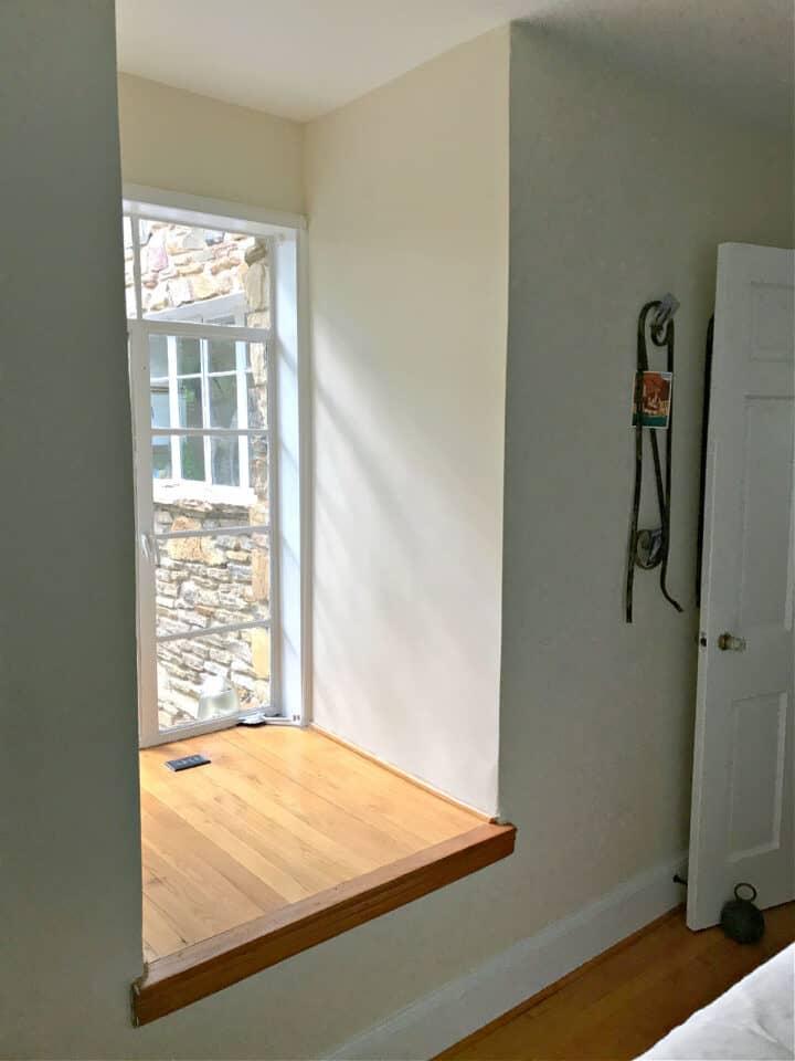 window nook in bedroom