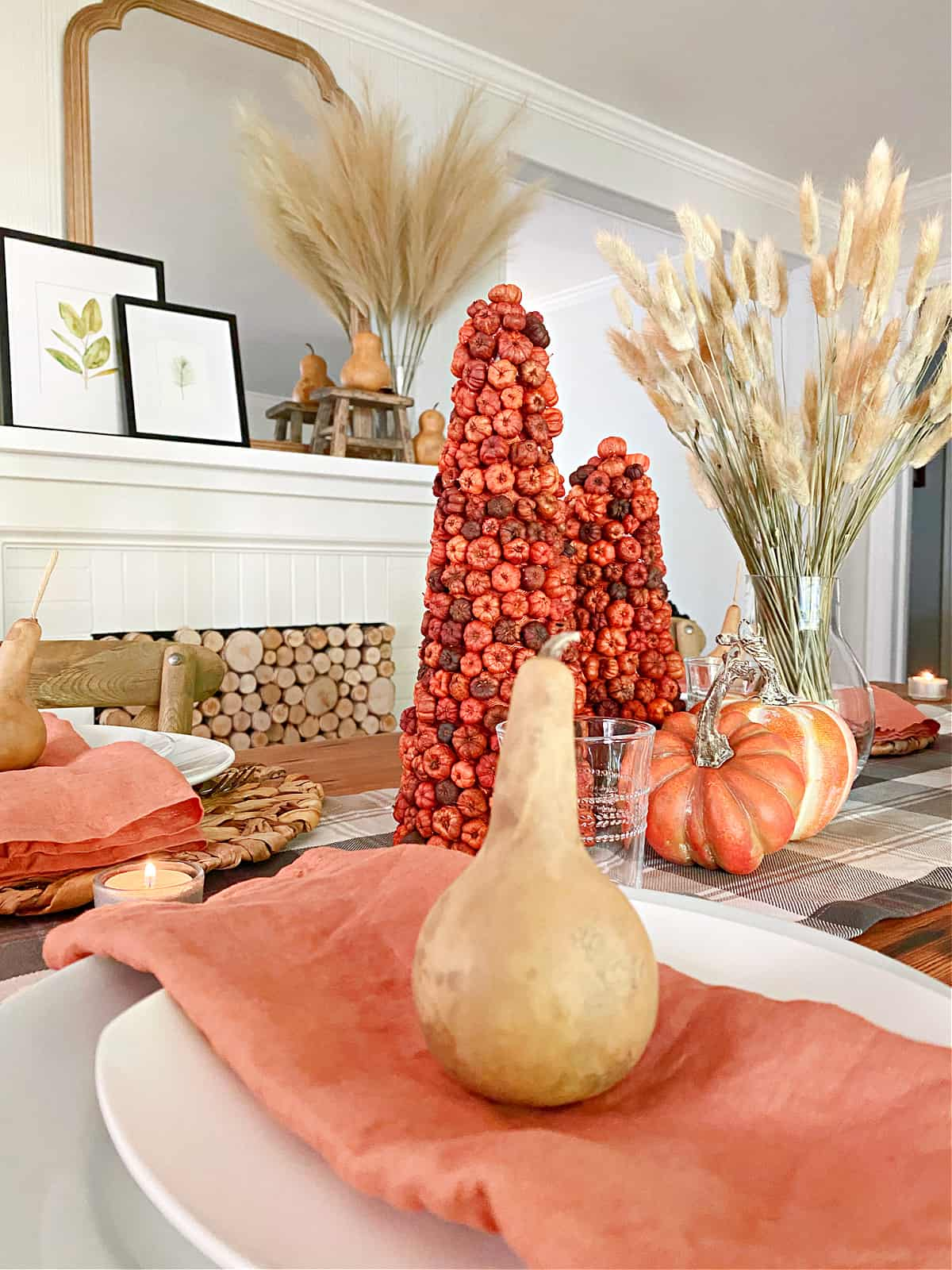 fall table decor with gourds